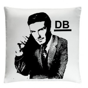 /10032-23810-thickbox/david-beckham-pillow-white.jpg