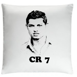 /9232-20949-thickbox/cristiano-ronaldo-pillow-white.jpg